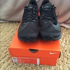 Women's Nike Zoom Fly size 9.5 black